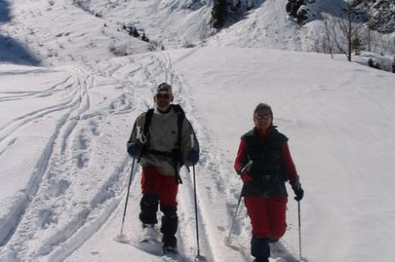 Guided snowshoes hiking all levels