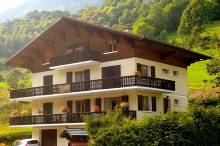 Appartment in chalet - 88m² - 4 bedrooms - Favre-Rochex Suzanne